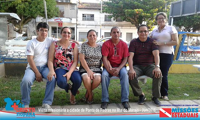 Dir. Executivo da Cobapa Pr. Ruy Gonçalves com missionários do Marajó.